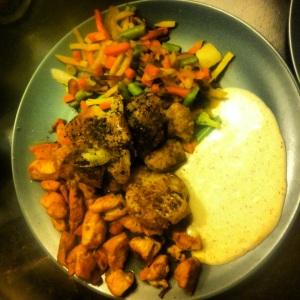 Kyckling wokgrönsaker potatis och kvargsås