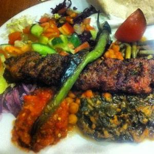 Lördagsmat - lunch - grönsakskebab på Amidakolgrill