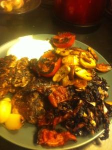 Hamburgare ugnsrostad rödkål svamp stekt tomat egengjord bea och rostad vitlök