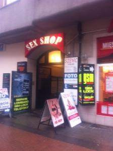 Mellan skoaffärer restauranger och dambutiker kan man köpa sex