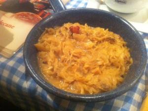 Stuvad kål med bacon och svamp
