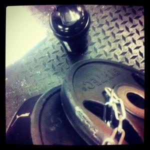 Gymträning - viktade chin-ups